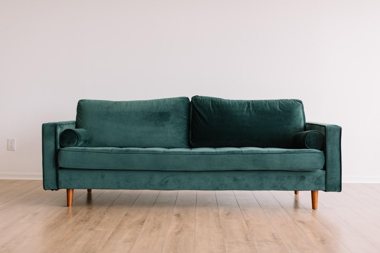 Кейс для аутлета мебели в период самоизоляции